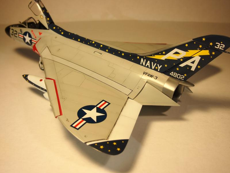 Fisher Models 1/32 Douglas F4D Skyray   Large Scale Planes