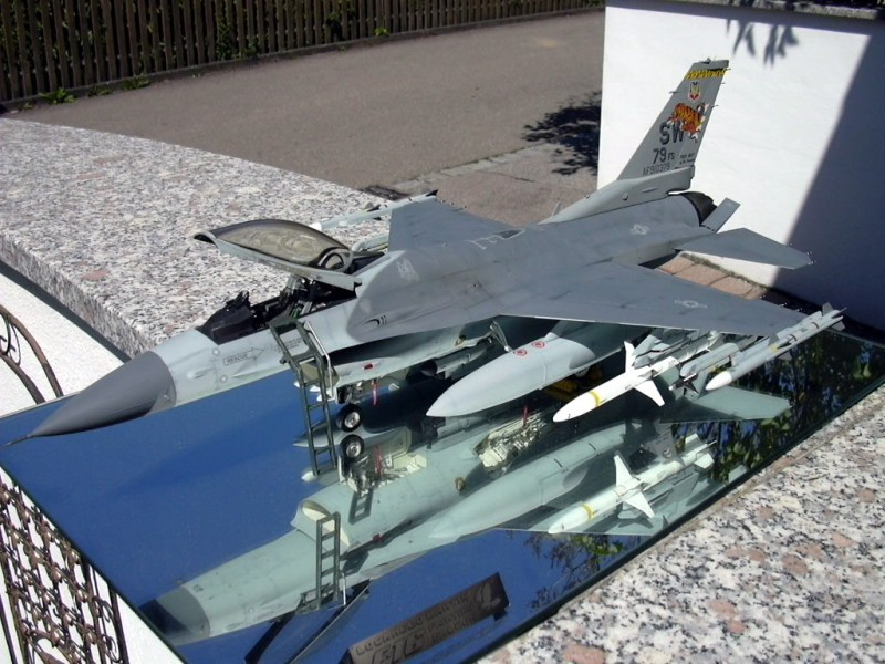 Tamiya 1 32 F 16c Large Scale Planes
