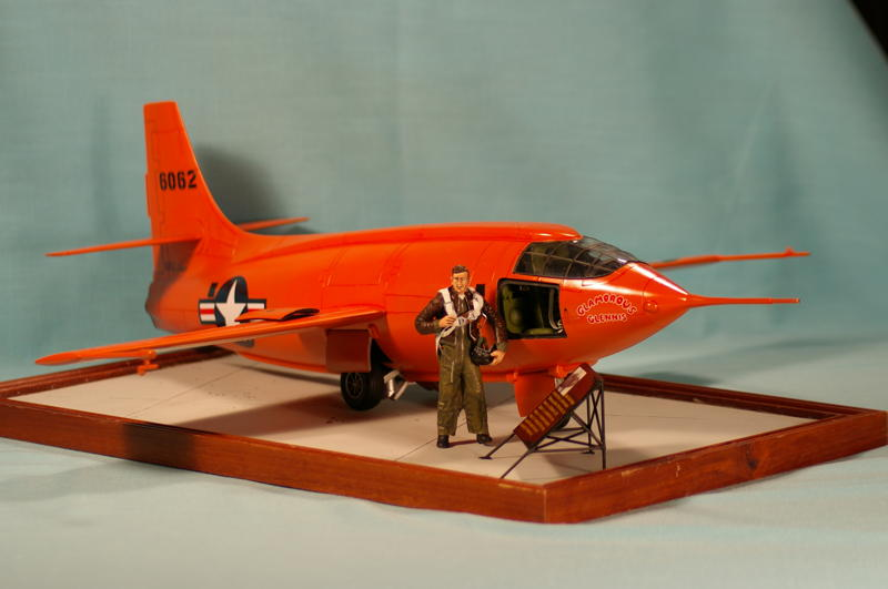 scale model airplanes kits with Article on 321836552374 furthermore 142022342283 moreover Watch further 161181322781 likewise Road To Top Gun Peanut And A Shooting Star.