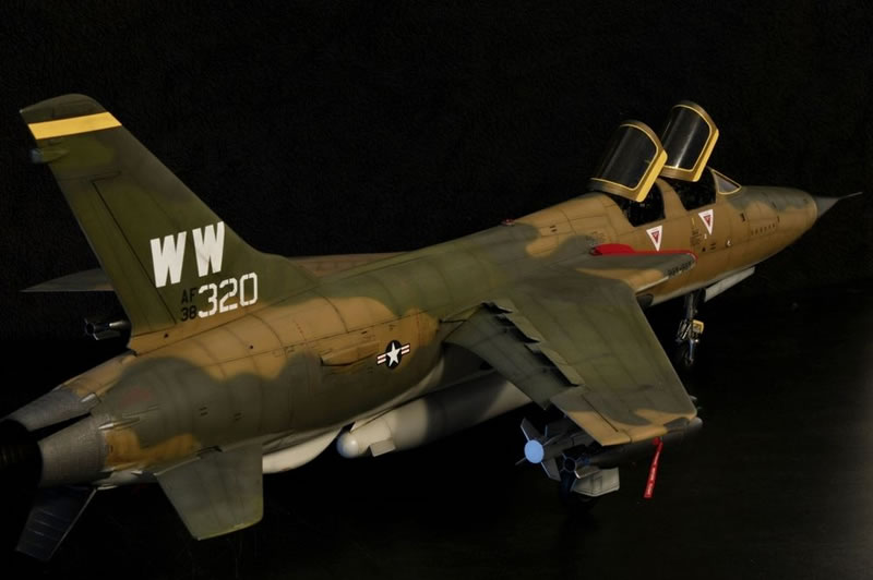 Trumpeter 1 32 F 105g Wild Weasel Large Scale Planes