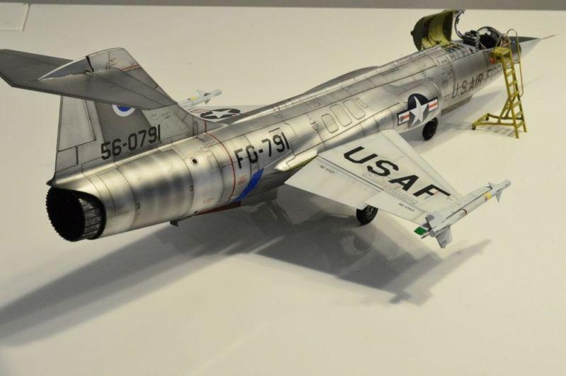 Italeri 1 32 F 104c Quot Vociferous Viking Quot Vietnam Large