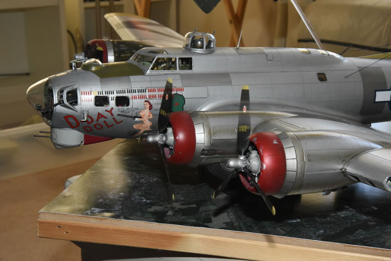 """HK Models 1/32 B-17G Diorama: """"In Peril"""" 