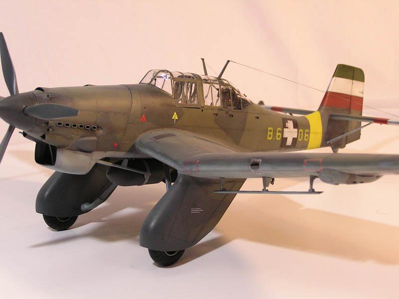 Trumpeter 1/32 Junkers Ju 87A - Hungarian Anton   Large ...