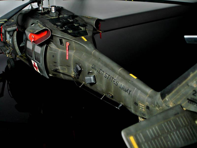 academy  mrc 1  35 sikorsky uh 60a blackhawk large scale Plastic Wire Connectors