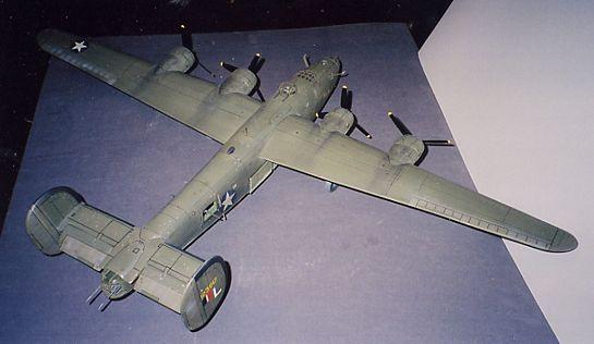 Combat Models 1 32 B 24d Large Scale Planes