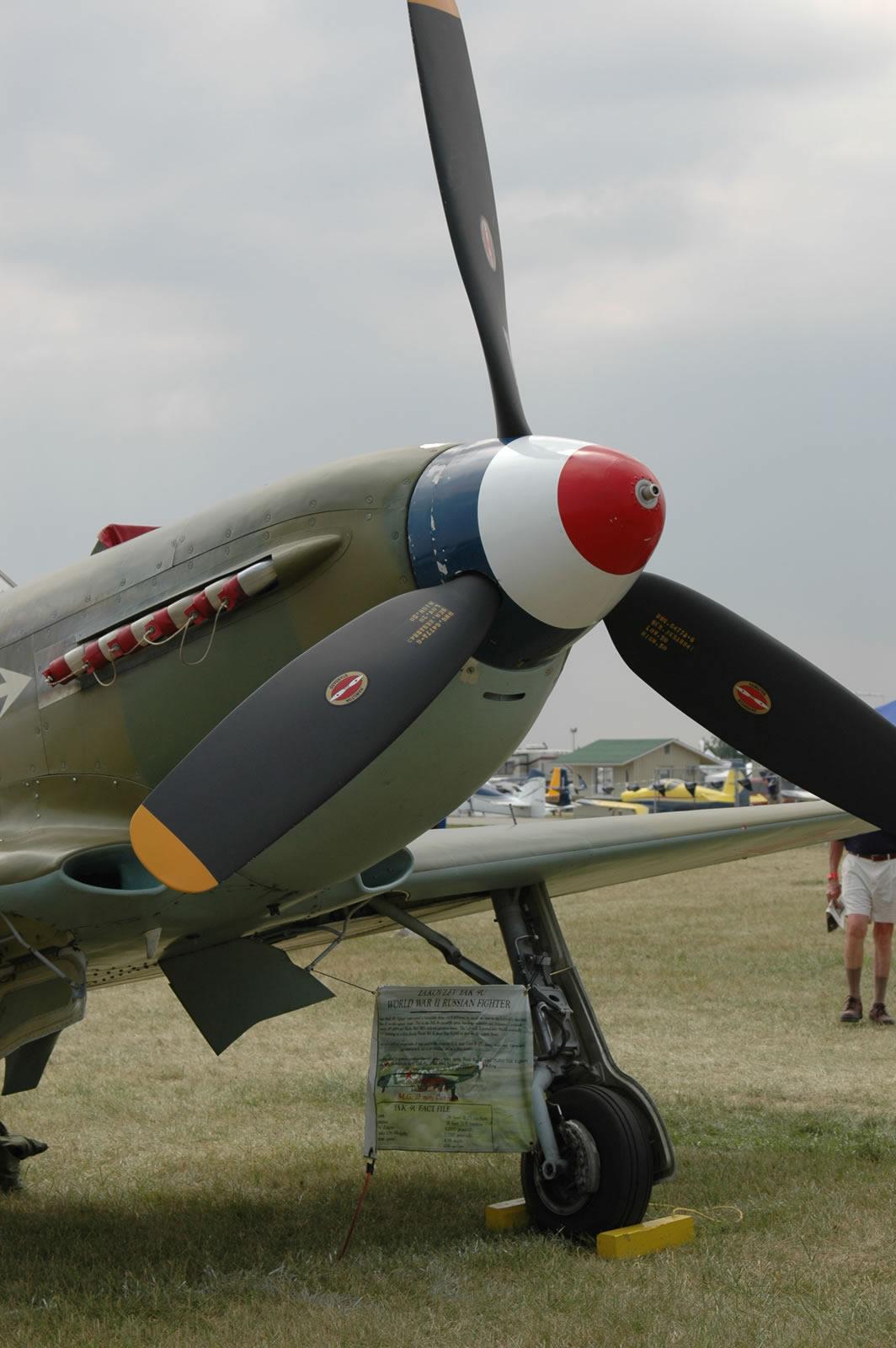 Yak-9U   Large Scale Planes